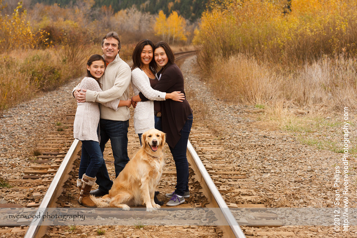 Family Fall Portrait Session at Edworthy Park